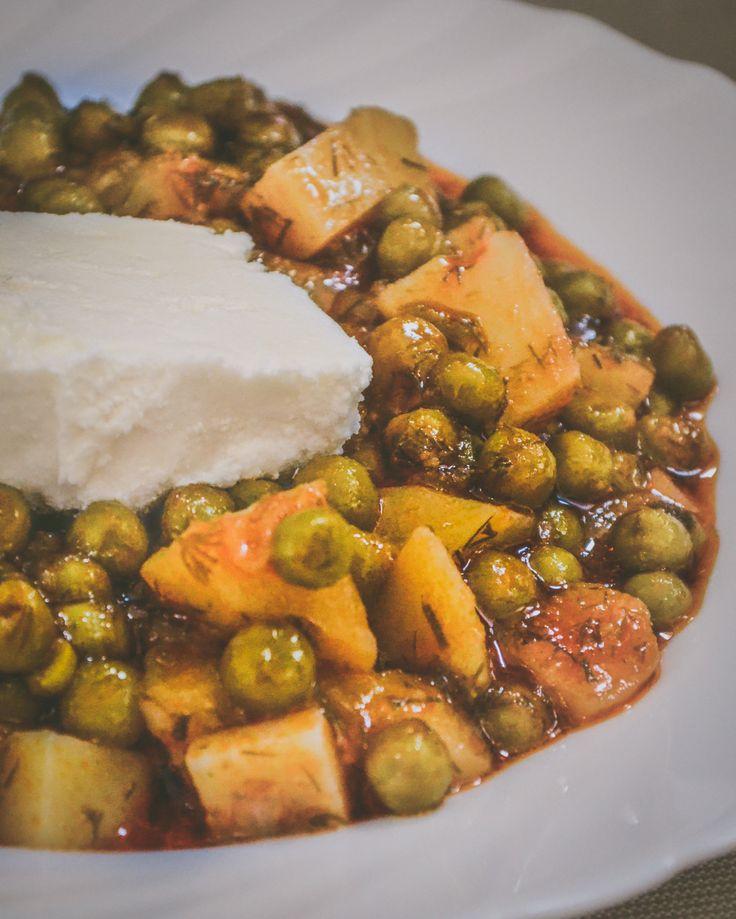 No vegetarian dish tasty and healthy like Greek 'Araka' Peas recipe with tomato and dill
