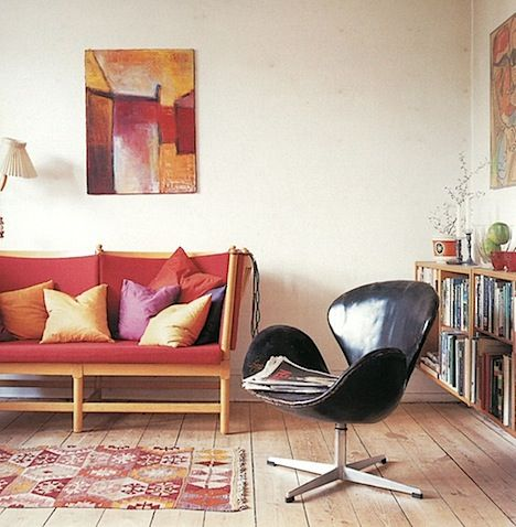 Google Image Result for http://www.annesage.com/.a/6a00e55225716d88330120a60cee5c970b-pi: Chairs, Black Leather, Leather Swan, Chair Space, Enchanting Interiors, Chair Flea, Chair Fits, Swan Chair