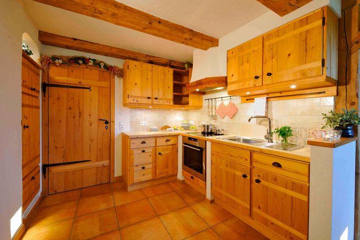 Küche Luxus-Ferienwohnung Almsonne Esterer Hof Chiemsee Oberbayern