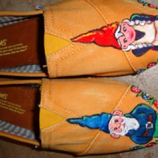 Little Gnome Love Toms