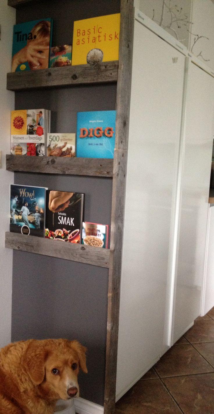 Shelf for cookbooks made of pallets