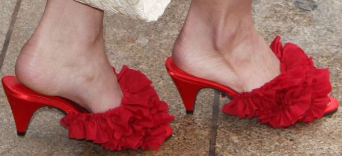 Lily Aldridge Ages Up with Granny Slippers at the 2013 CFDA Awards