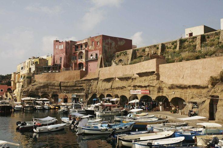 LE FOTOGRAFIE DI VENTOTENE - il porto romano
