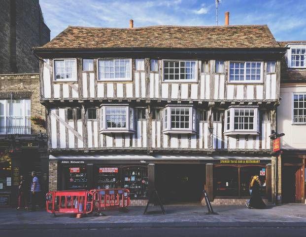 white #house in #cambridge #uk #old #england | Cambridge in