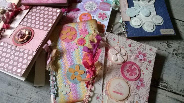 Libretas hechas a mano en Vintage y Scrap para regalos con arte y significado. Diseños Marta Correa Blog: 321 643 63 84 Cel: 321 643 63 84