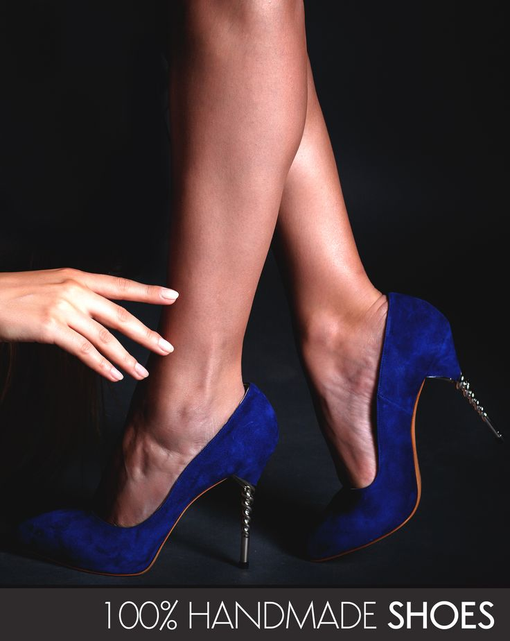 The blue Zoe luxury shoes made of suede are 100% handmade @j