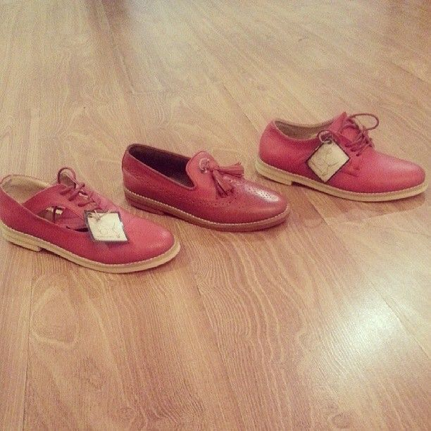 .30% off for : low cut maroon idr 349 - slipper maroon idr 360 - fortune red idr 349 by @u_shoes