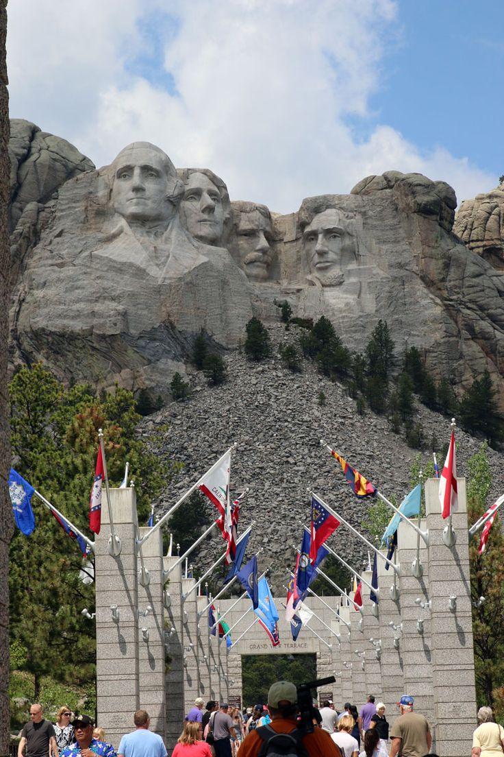 Mount Rushmore- 10 Reasons you should Visit Hot Springs, South Dakota - #dan330 http://livedan330.com/2015/08/02/10-reasons-you-should-visit-hot-springs-sd/