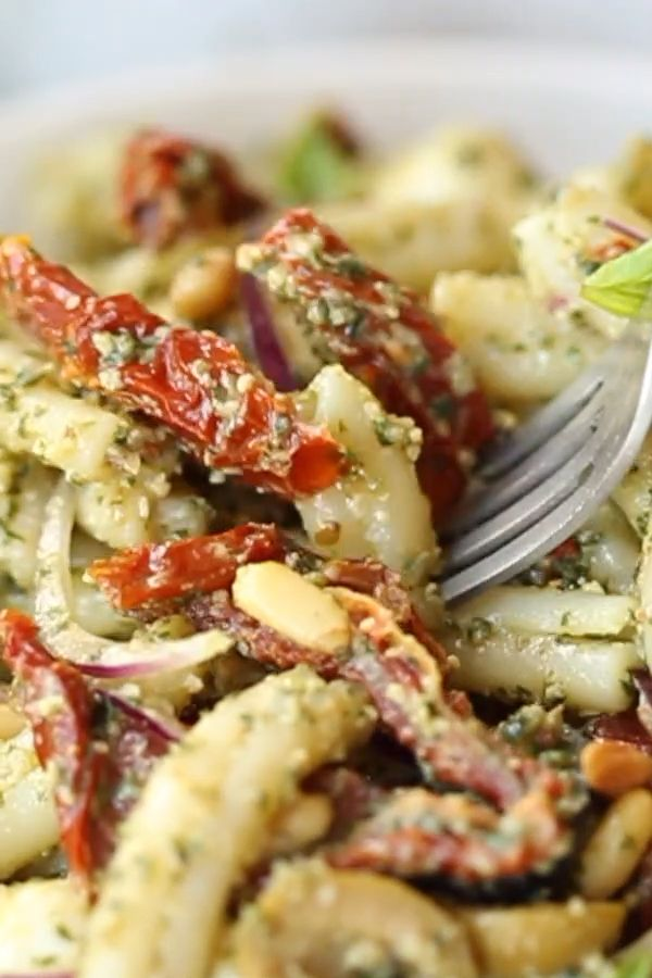 Pesto Pasta Salad with Sun Dried Tomatoes