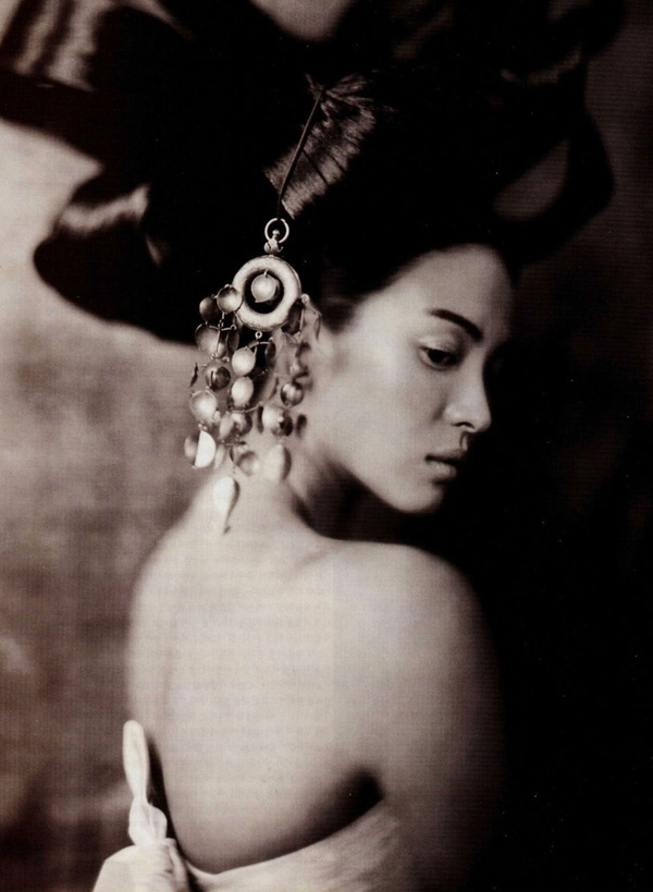 Hwang Jin Yi in Paris, by Paolo Roversi. Deeply ingrained family or cultural conditioning may no longer serve.