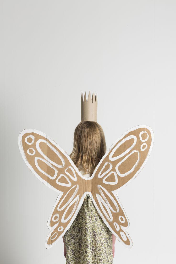 #DIY #cardboard fairy wings www.kidsdinge.com    www.facebook.com/pages/kidsdingecom-Origineel-speelgoed-hebbedingen-voor-hippe-kids/160122710686387?sk=wall http://instagram.com/kidsdinge