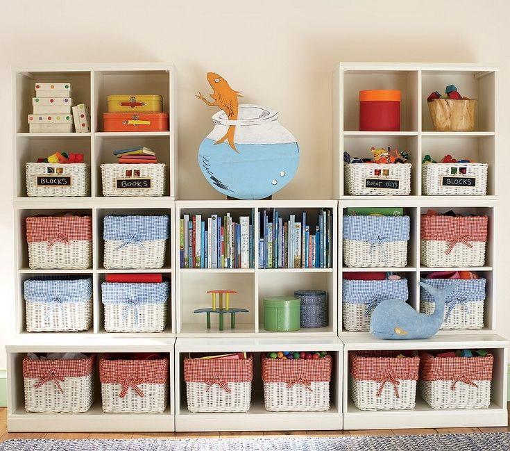 В свое время именно с ремонта в собственной квартире началось мое увлечение дизайном и декорированием интерьера. После было еще несколько проектов, сделанных для друзей. Не скажу, что я в этом вопросе прям эксперт :) Но кое-какие выводы и наблюдения сделать успела, и вот спешу ими с вами поделиться. Итак: 10 важных моментов, которые помогут вам сделать комнату малыша красивой, удобной и безопасн…