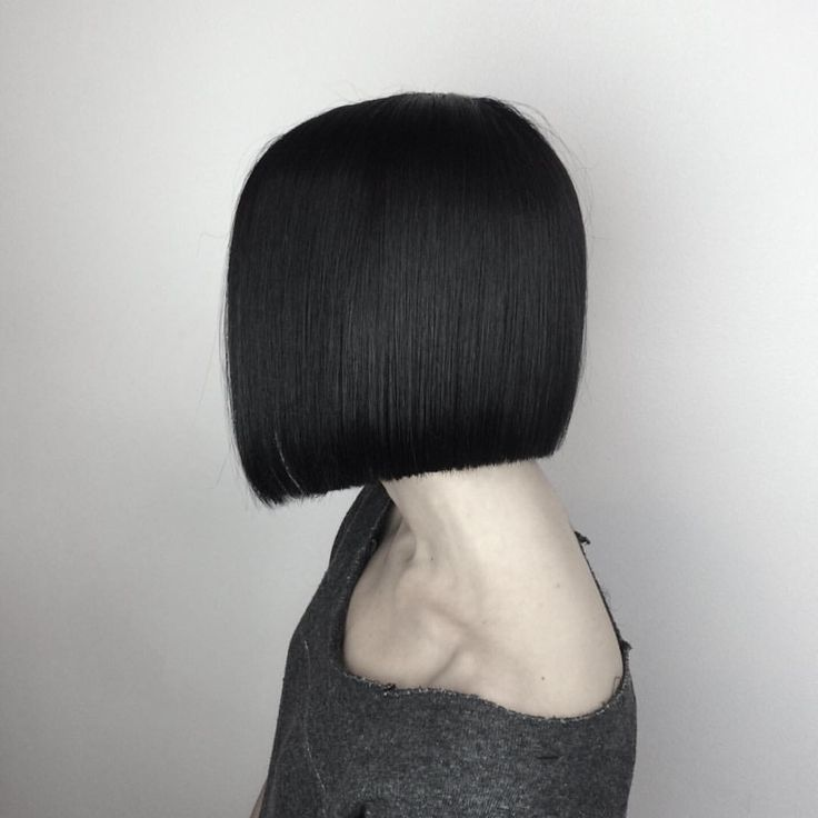 "Gefällt 34 Mal, 1 Kommentare - FORM+FUNCTION Salon Education (@ffsalonedu) auf Instagram: ""One Length. Hair by F+F Educator @christianawesome"""