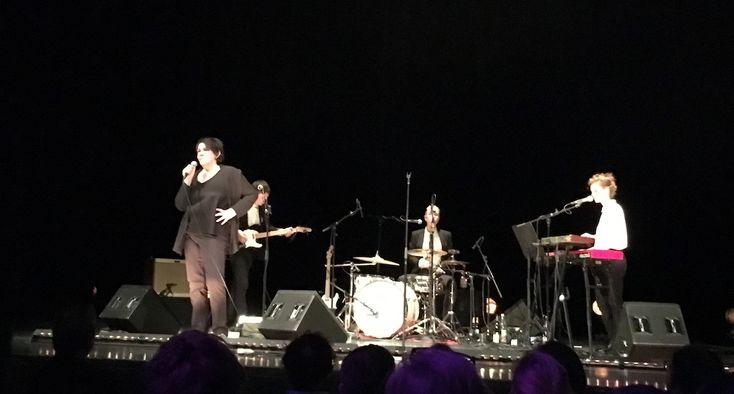 Christiane Rösinger - Live im HAU, Berlin - https://www.musikblog.de/2017/04/christiane-roesinger-live-im-hau-berlin/ #ChristianeRösinger