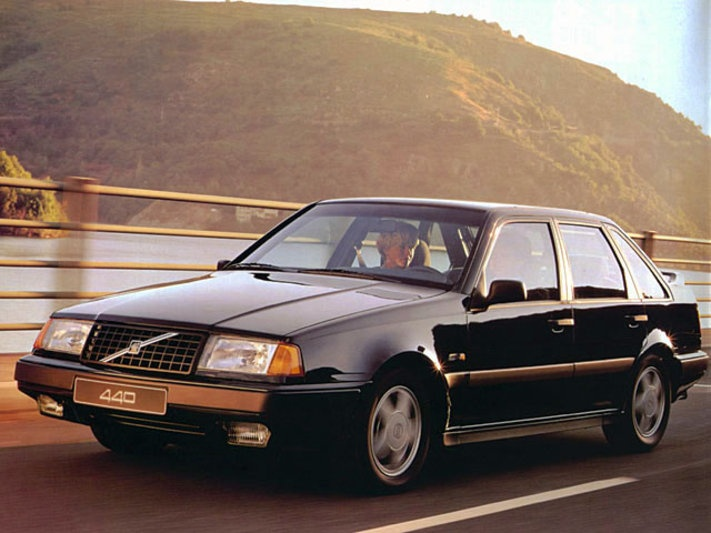 Volvo 440 (1987–1997)