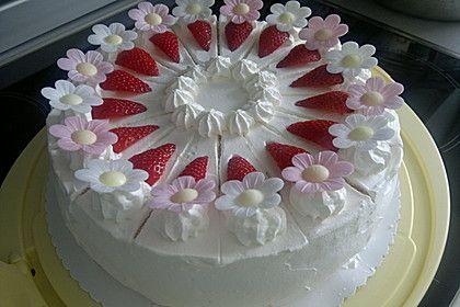 Erdbeerkuchen mit zarter Joghurtcreme   – Nuss Kuchen/Torte