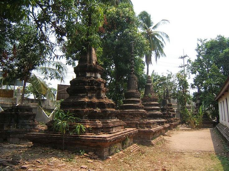 Stupas du Wat Ratchaburana.
