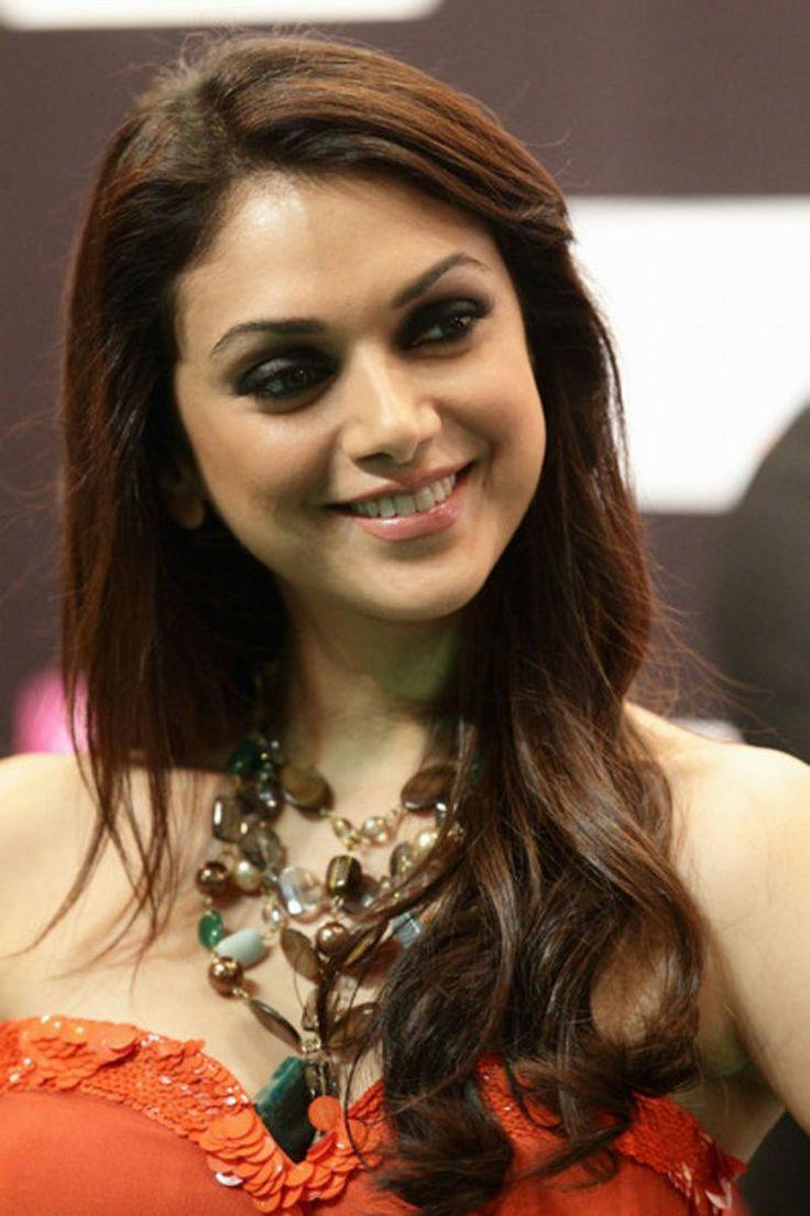 Hd wallpaper bollywood - 20 Bollywood Actress Aditi Rao Hydari Hd Wallpapers