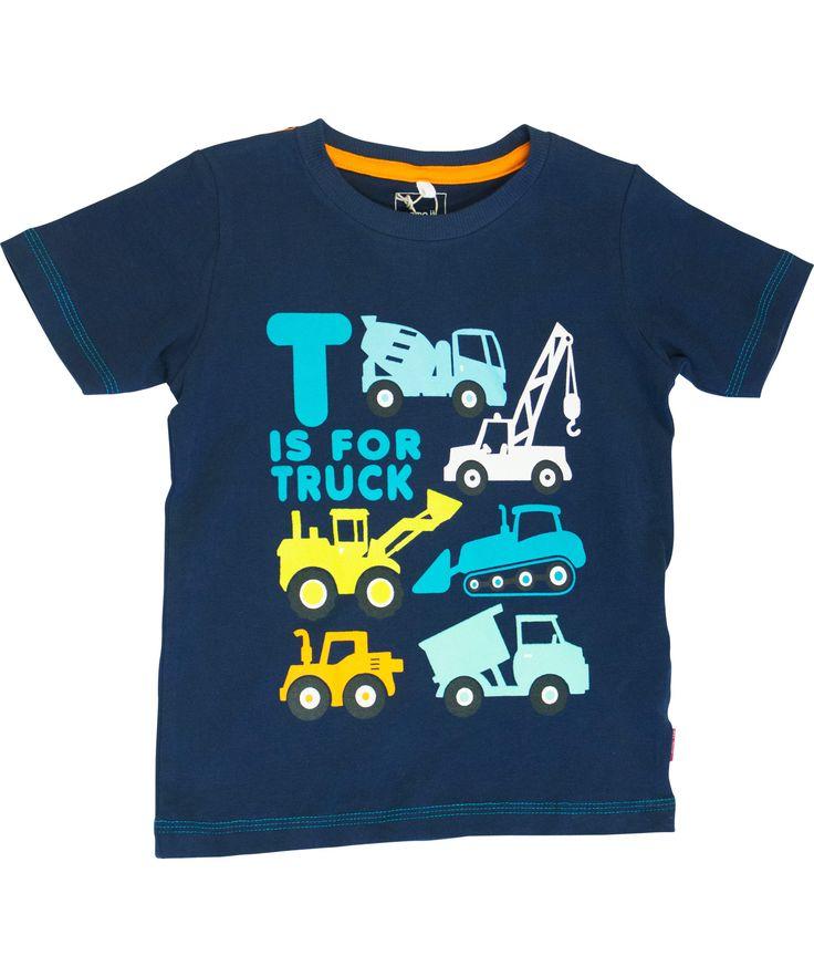 Adorable T-shirt marine avec camions par Name It. name-it.fr.emilea.be