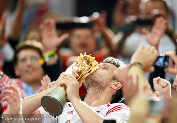 Polacy we wspaniałym stylu pokonali w finale Brazylię 3:1 i po 40 latach znów są najlepszymi siatkarzami na świecie.