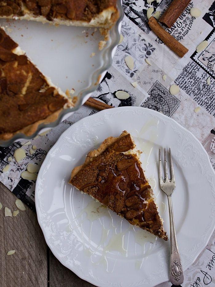 Pradobroty: Tvarohový koláč se skořicí a mandlemi