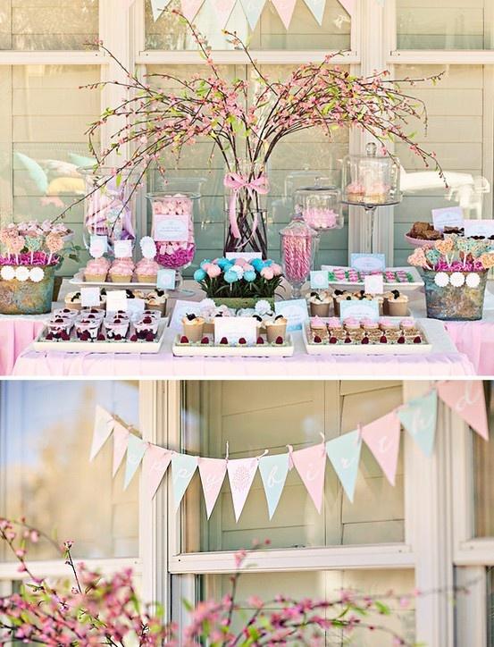 Sweets table arrangement Decoración de mesas dulces