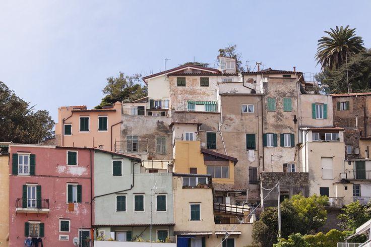 Uno scorcio pittoresco della bella Sanremo sulla Riviera Ligure. B&B sull'incantevole Riviera Ligure in Liguria qui http://bedandbreakfast.place/it/bb-dintorni-riviera-ligure