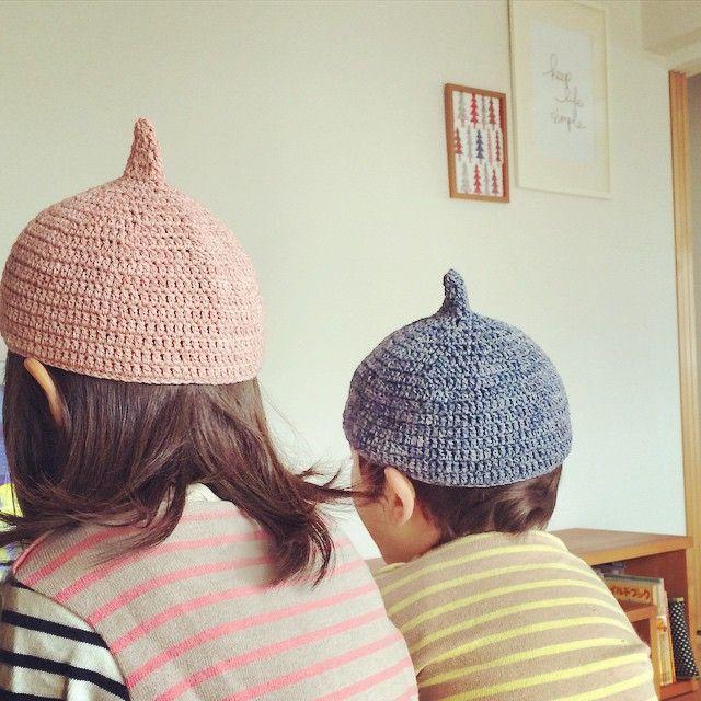 秋風が吹き始めると、ふわふわもこもこのニット帽が恋しくなります。手編みの帽子は暖かく、色も形も思いのまま。2~3玉でできるので、初心者さんにも根気が続かない人にも案外挑戦しやすいのです。秋の夜長に好きな音楽でも聞きながら、編み編みする時間も楽しんでみては?