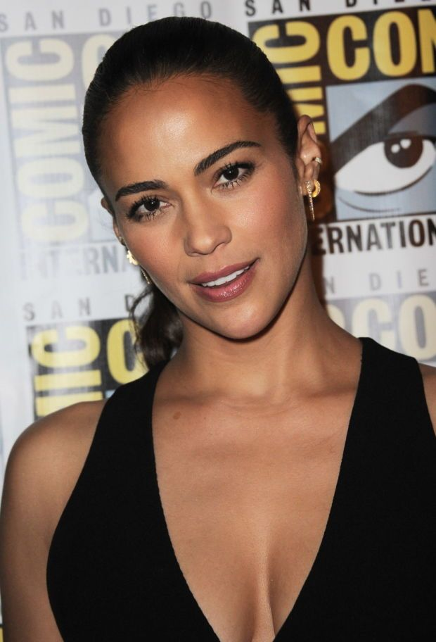 Paula Patton at Legendary Pictures' Comic-Con 2015 presentation. http://beautyeditor.ca/2015/07/19/best-celebrity-beauty-looks-ashley-madekwe