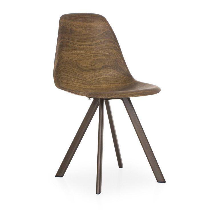 Geïnspireerd door de DSW stoel ontworpen door Charles & Ray Eames. Natuurlijke stalen poten.Polypropylene zitting met walnoot hout effect. ALEXIS STEEL Stoel is een van de meest populaire modellen van het avant-garde design van de afgelopen eeuw. Stijl, elegantie en comfort worden gecombineerd en geven verfijning aan uw eetkamer of kantoor. De polypropylene rugleuning past zich perfect aan uw lichaam aan. Het stalen onderstel is erg stevig en robuust. De combinatie van deze materialen ma...