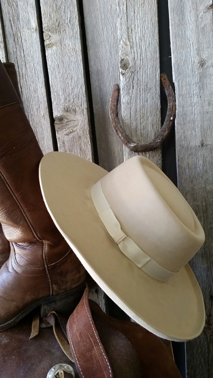 Bucks Sombrero Cowboy hat or you could call; it a Vaquero style cowboy hat, Vintage Cowboy Hat