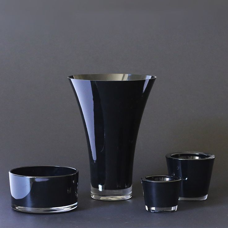 VA04-009-12 Black Vases - www.weditaly.com