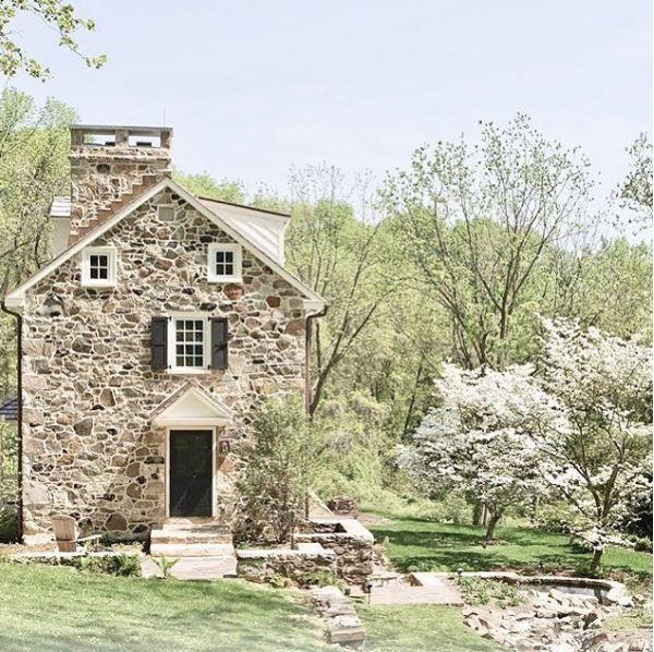 Stone House Home In Pa Stone Farmhouse 18th Century Farmhouse
