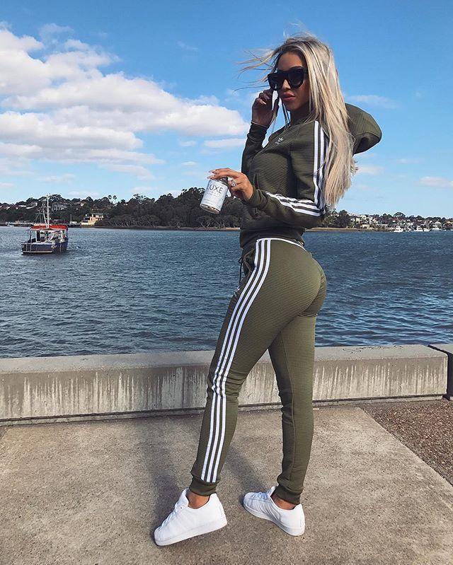 Pinterest   viviimoreira Adidas Tracksuit Women e297d1afc9