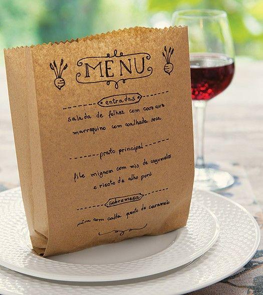 O saquinho com pão também pode virar menu – é só caprichar na caligrafia