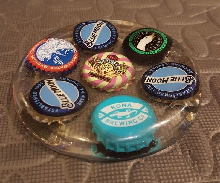 How to Make a Personalized Epoxy Resin Coaster - I pinned this because previous epoxy projects have failed. These directions are more helpful.