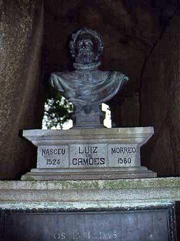 Busto de Luís de Camões, na Gruta de Camões, em Macau