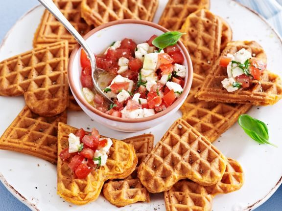 Pikante Waffeln mit Salsa ist ein Rezept mit frischen Zutaten aus der Kategorie Salsa. Probieren Sie dieses und weitere Rezepte von EAT SMARTER!