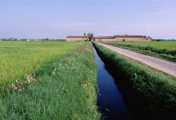 Agricolo Sud Milano Park #parks #lombardy http://lombardiaparchi.proedi.it/parchi-fluviali/parco-agricolo-sud-milano/?lang=en