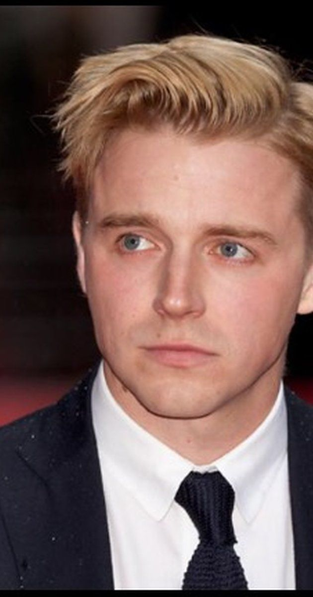 "Jack Lowden, Actor: '71. Rising young Scottish star Jack Lowden grew up in Oxton, in the Scottish Borders. He graduated from the prestigious Royal Scottish Academy of Music and Drama in 2011. He has had enormous success on stage in leading roles in ""Black Watch"" (2011) and ""Chariots of Fire"" (2012) -- in the latter as Eric Liddell, the part played on screen by Ian Charleson. In 2014 he won an Olivier Award and the Ian ..."