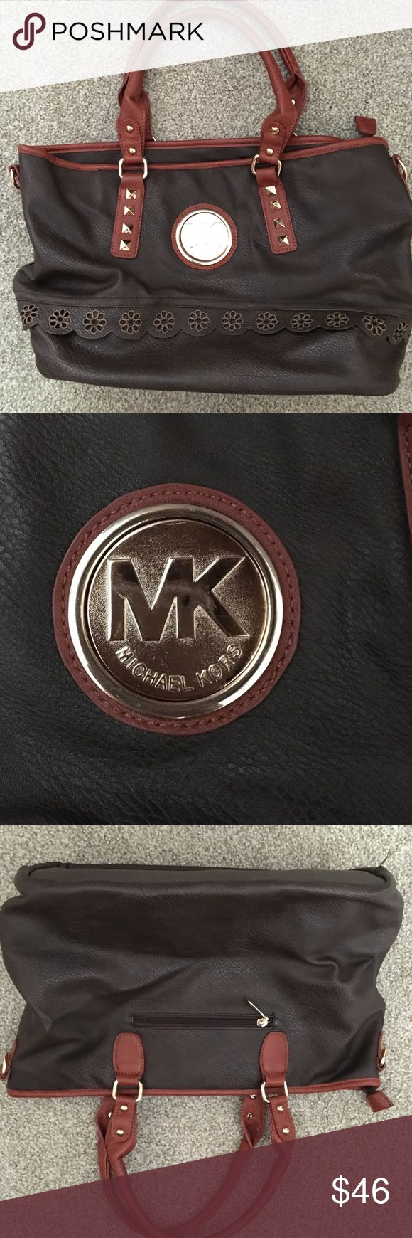 Michael Korea Purse Knockoff. No stains on inside. Great for a laptop bag. One side zip pocket. Two side pockets. One larger zip sectional Bags Totes
