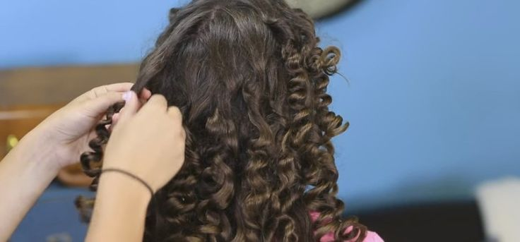 Paper Towel Curls | Her Secret For Crazy Curls? Paper Towels! Check THIS Out!