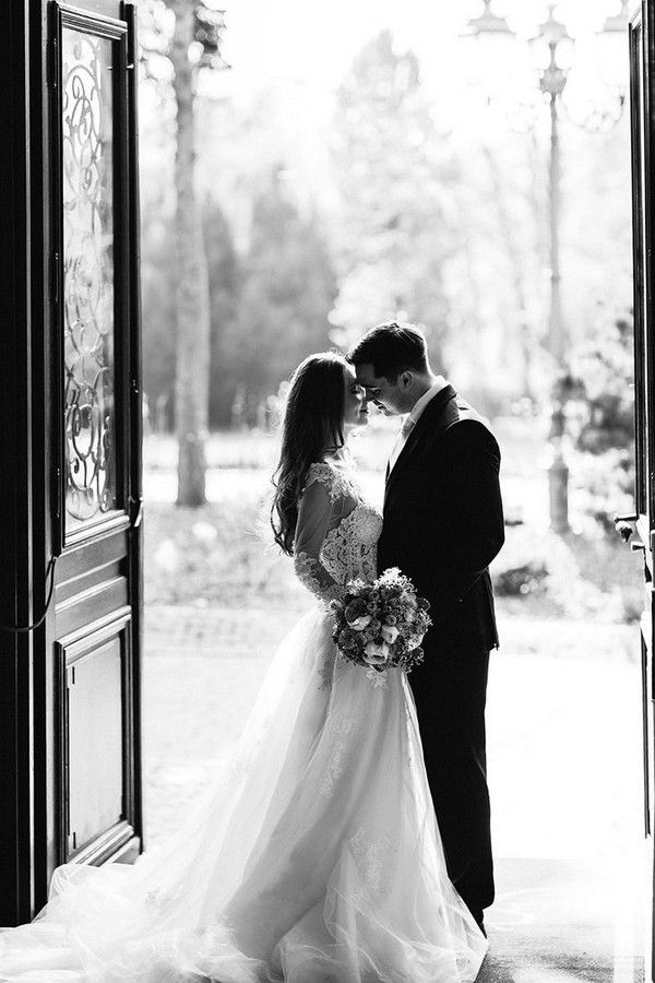 Black and White Wedding Photography Ideas #wedding #weddingphotos #weddingideas #Photography