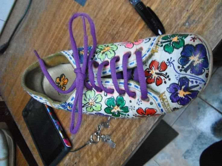 Renovando zapatillas con pintura