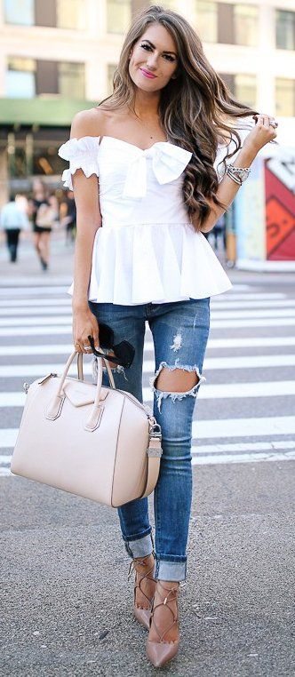 #fall #trends | White Peplum Top + Jeans