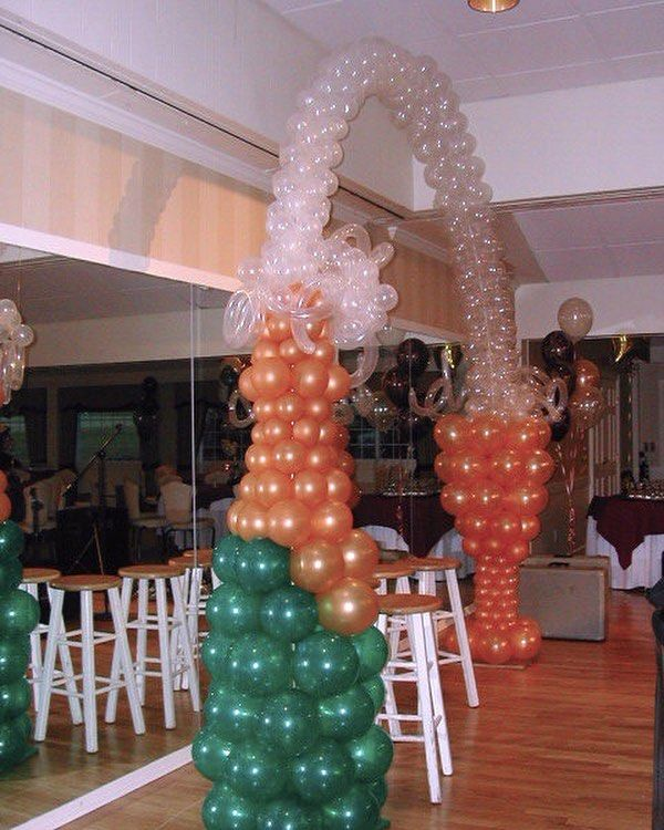 Champagne balloon arch  Visit web link in Bio for more ideas and contact info. . . #balloons #balloonart #balloondecoration #balloonsculpture #keighley #westyorkshire #northyorkshire #steeton #skipton #silsden #balloonarch #champagne