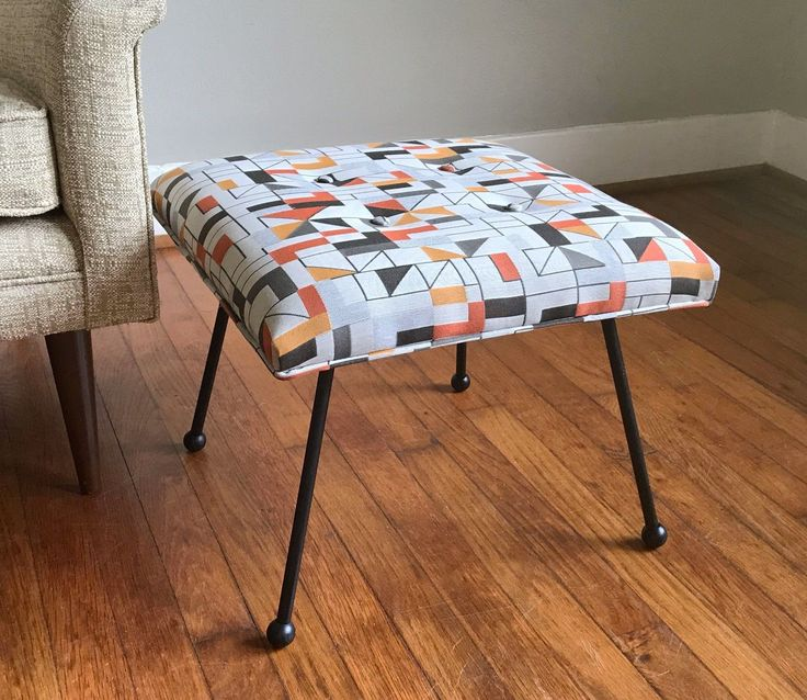 Fake Leather Sofa Upholstery Aus Europaletten Selber Bauen Anleitung Best 25+ Ottoman Footstool Ideas On Pinterest | ...