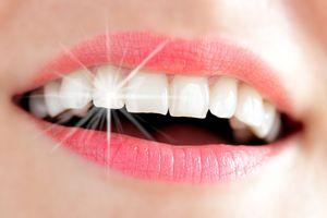 remèdes de grand mère pour blanchir les dents, Astuce 1 frottez-les 1 fois par semaine avec un zeste de citron Astuce 2 Utilisez 1 fois par semaine : Mélanger 1 cuillère à café de miel liquide av...http://lesastucesdesteph.wordpress.com/2014/11/06/remede-de-grand-mere-pour-blanchir-les-dents/