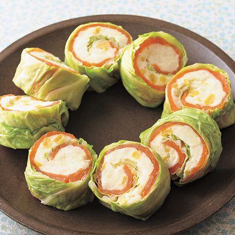 レタスクラブの簡単料理レシピ キャベツで巻いて「キャベツとサーモンのロールポテサラ」のレシピです。