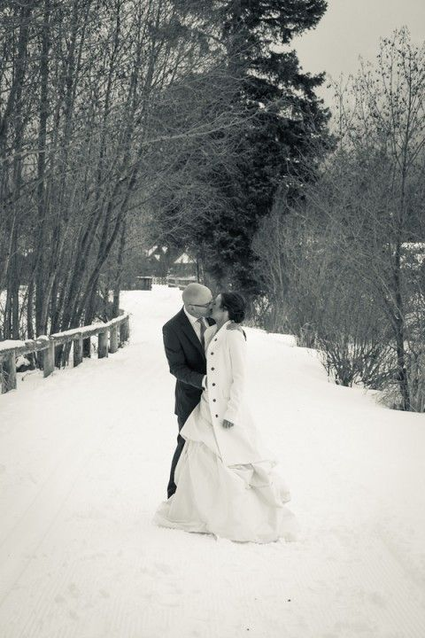 Winter wonderland wedding photo op #winter #wedding #wonderland